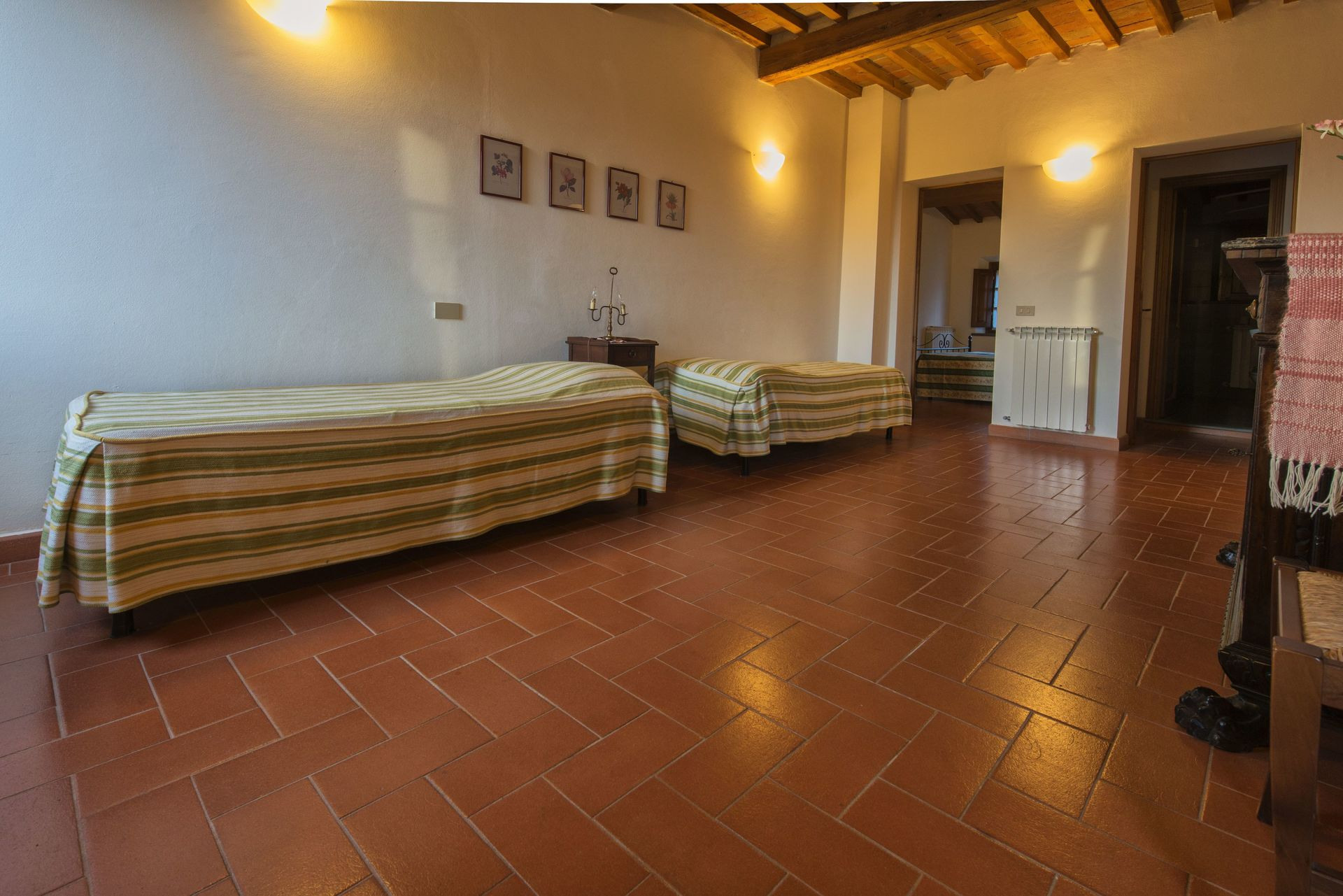 Maria 2 posti letto 6 in 2 camere casa vacanza a for Piani casa 2 letti