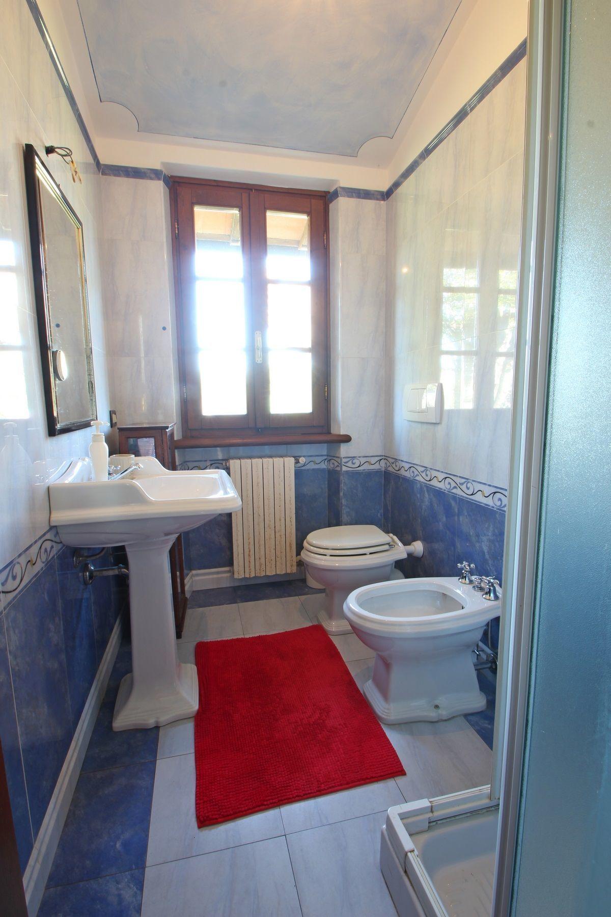Villa Antonella - Casa vacanze con 10 Posti Letto in 5 Camere  Marina Di Pietrasanta  Toscana ...
